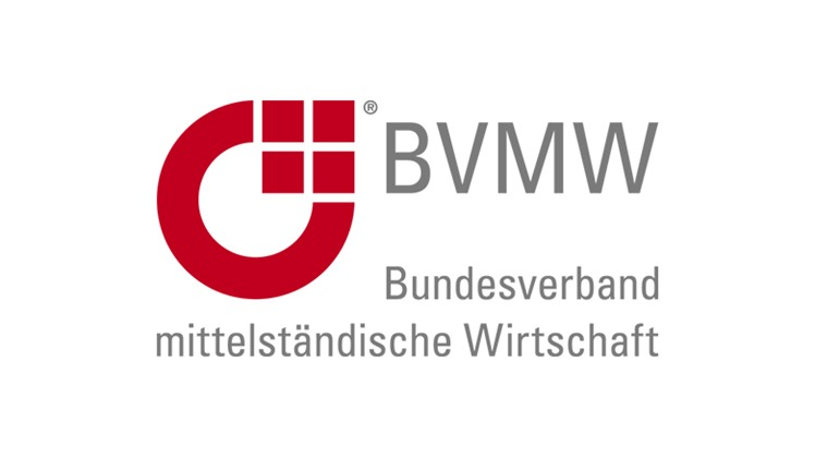 President of the German Mittelstand Association of Small and Medium-Sized Enterprises (BVMW) Mario Ohoven hailed on Thursday the growing Egyptian economy.