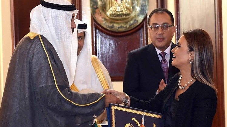 Egypt's Minister of Investment and International Cooperation Sahar Nasr and Kuwait's Deputy Prime Minister Sheikh Sabah Al-Khaled signed on Monday an agreement to finance Egypt's second phase of the Sinai Peninsula development project by $1 billion within