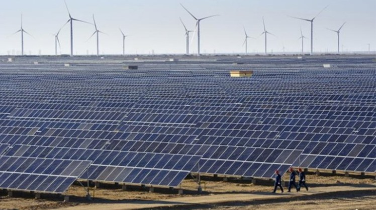 """Egypt's Head of the New and Renewable Energy Authority Mohammad al-Khayyat stated on Tuesday that """"The establishment of the Kom Ombo solar power plant, with a capacity of 26 MW, is being finalized"""