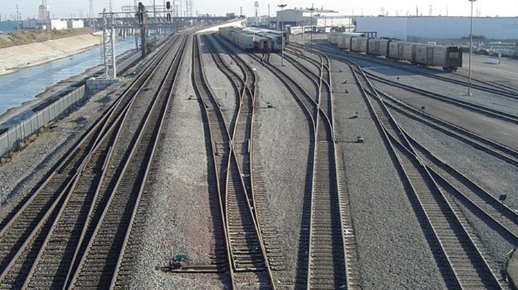 Railway line October 24, 2006 – Wikimedia Commons