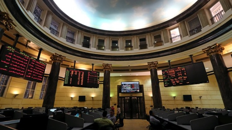 The Egyptian Exchange announced on Sunday the activation of e-voting system for companies registered in the bourse in compliance with Prime Minister Moustafa Madbouli's decision to ban all activities involving large gathering.