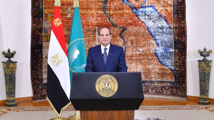 Egypt started Monday to disburse President Abdel Fatah al-Sisi's grant for 737,000 irregular workers who missed the first stage, according to Minister of Manpower Mohamed Saffan.