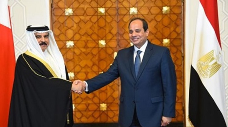 Egypt's President Abdel-Fattah al-Sisi has received a phone call on Wednesday from Bahraini King Hamad bin Isa Al Khalifa in which they discussed bilateral ties as well as the development of the crisis in Libya.
