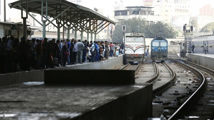 Egypt's Minister of Transport Kamel el Wazir said Tuesday 22 new railcars have reached Alexandria port as part of a deal to manufacture and supply 1300 new railway passenger wagons, the largest in the history of Egypt Railways.