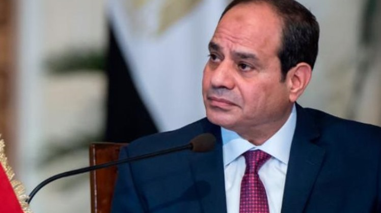 Egypt's President Abdel Fattah al-Sisi was briefed on the plans of the Signal Corps of the Armed Forces to secure Egypt's western depth and its borders with Libya.