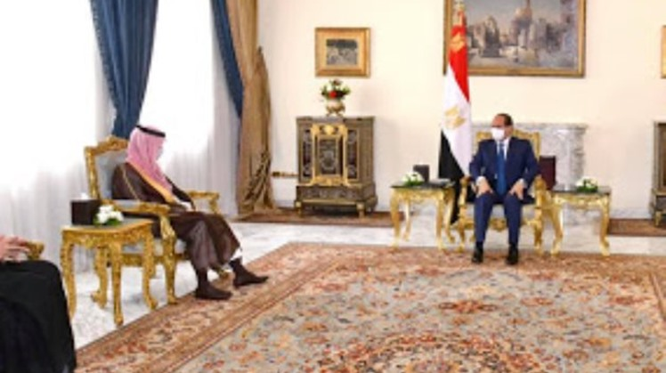 """Egypt's President Abdel Fattah El Sisi affirmed that """"solidarity and consistent stances are the effective way to ward off foreign dangers"""