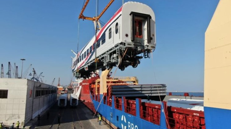 Egypt's Minister of Transport Kamel el-Wazir announced a new batch of 13 new Russian railway passenger vehicles arrived at Alexandria Port.