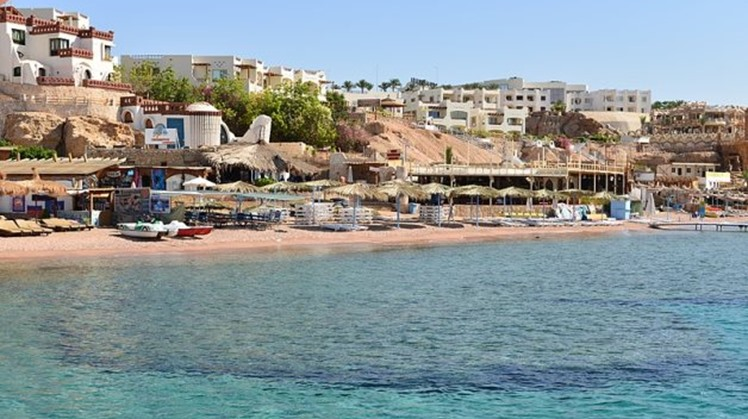 Egypt's President reviews tourism development projects in Sinai