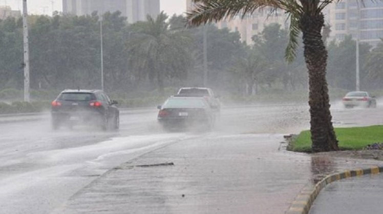Facilities in south Cairo brace for the rain season by maintaining the drainage system and deploying vehicles equipped with pumps and suction hoses at main roads, bridges and tunnels to remove excess water immediately.