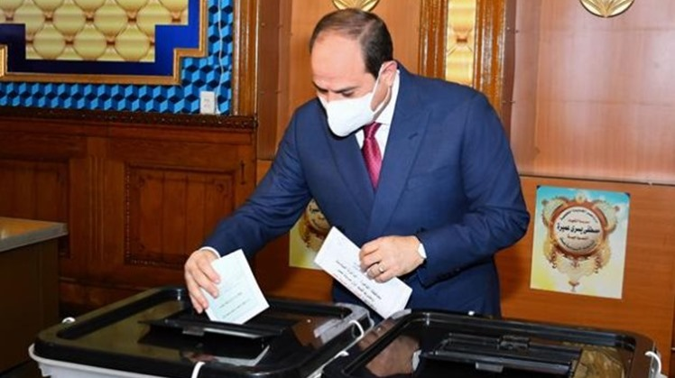 Egyptian President Abdel Fattah El SIsi cast his vote in the 2020 House of Representatives election at a polling station in Heliopolis