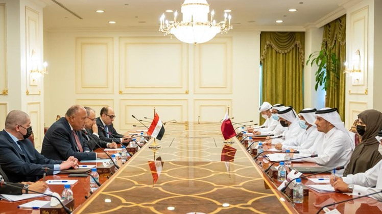 Egypt's Foreign Minister Sameh Shoukry met, Monday Qatar Deputy Premier and Foreign Minister Sheikh Mohamed ben Abdul Rahman al Thani at the Qatari Foreign Ministry in Doha.