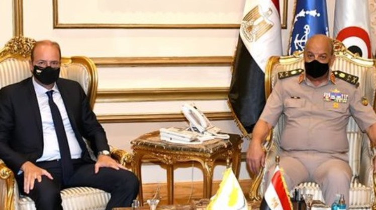Defense Ministers of Egypt, Cyprus discuss bilateral relations