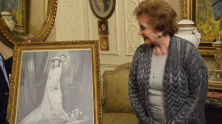 Former First Lady Jihane El Sadat passed away Friday in one of Cairo's hospitals at the age of 87.
