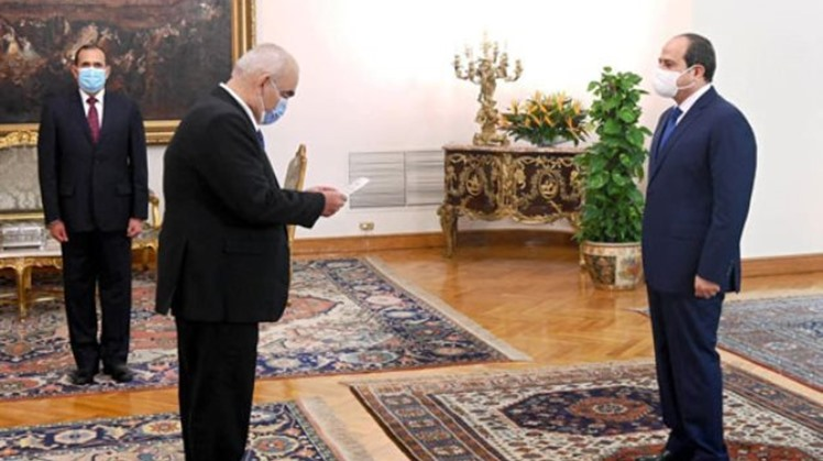 Egypt's Counselor Hussein Mostafa Fathi was sworn in before President Abdel-Fattah El-Sisi on Monday as the new president of the Egyptian State Lawsuits Authority.