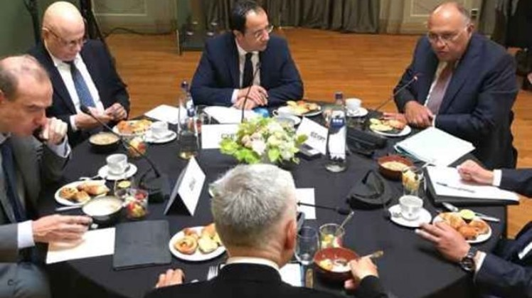 Egypt's Foreign Minister Sameh Shoukry reviewed on Monday several issues of mutual concern with his European Union counterparts during a working breakfast in Brussels.