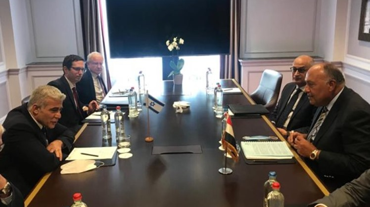 Egypt called on Sunday for the necessity of resuming the peace talks between the Palestinians and Israelis, said Egyptian Ministry of Foreign Ministry Spokesperson Ahmed Hafez.