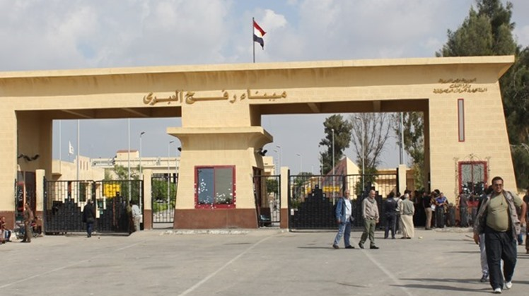 Rafah crossing remains open to let in aid, wounded Palestinians