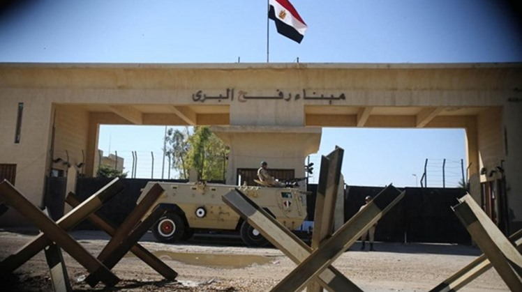 Rafah crossing remains opened to receive humanitarian cases