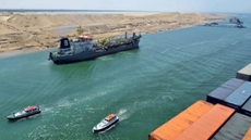 An Italian cruise ship crossed Monday the Suez Canal using remote guidance for the first time ever in the canal's history.