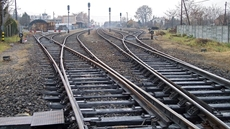 Egypt's Minister of Transportation Kamel al-Wazir held a meeting Sunday with the chairperson and board members of the Egyptian Railway Authority (ERA) to follow up on the accomplishment rate of the development of stations and railways.